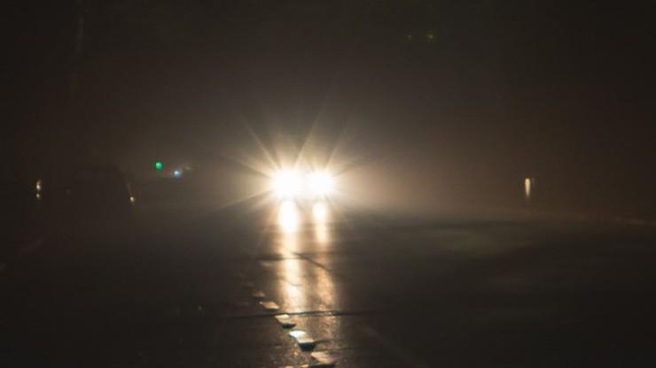 """Jechał bez oświetlenia, omal nie zginął na drodze. """"Spoko jest"""""""