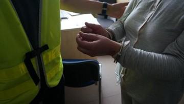 33-latka pobiła ratownika medycznego, który udzielał jej pomocy. Usłyszała zarzut