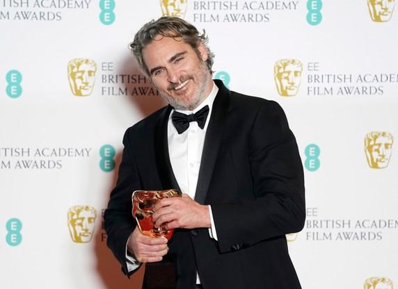 Joaquin Phoenix ze statuetką za najlepszą pierwszoplanową rolę męską (