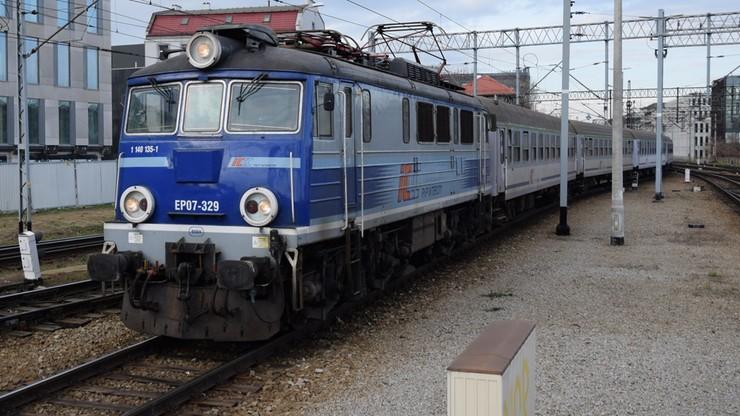 Co myślimy o pociągach? Są wygodne, ale dla wielu Polaków niedostępne