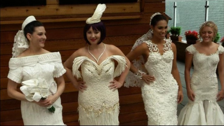 Te suknie ślubne zrobione są z... papieru toaletowego