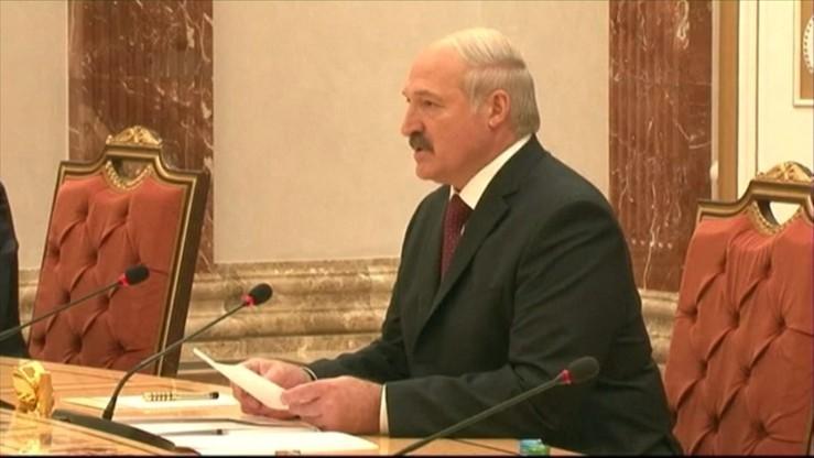 """Białoruś wstrząśnięta morderstwem w szkole. Łukaszenka: """"wszyscy jesteśmy winni"""""""