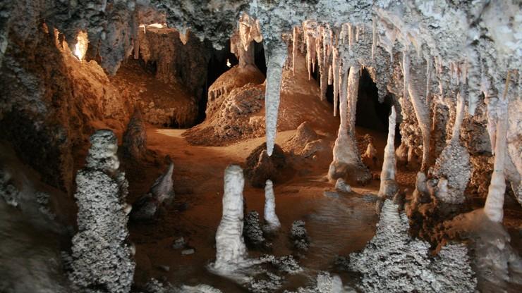 Ośmiu turystów uwięzionych w szwajcarskiej jaskini. Ratownicy mogą do nich dotrzeć dopiero za kilka dni