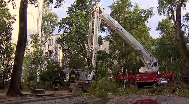 W piątek ponad 3 tys. interwencji strażaków w związku z nawałnicami