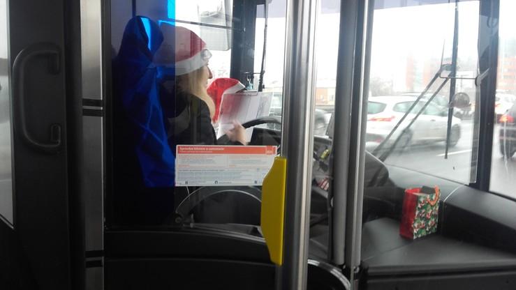 Mikołajkowa atmosfera w warszawskim autobusie linii 178