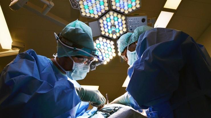 Gorzów Wielkopolski. Da Vinci będzie operował pacjentów. Nowoczesny robot dotarł do szpitala