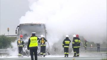 Pożar autokaru na autostradzie A4 w okolicach Rzeszowa. Droga w kierunku Krakowa już przejezdna