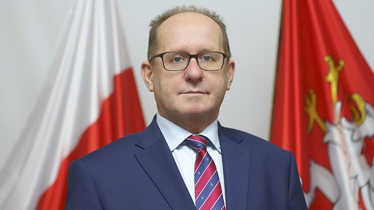 """Burmistrz Dębicy chciał obniżyć sobie pensję, radni PiS nie zgodzili się. """"Tani populizm"""""""
