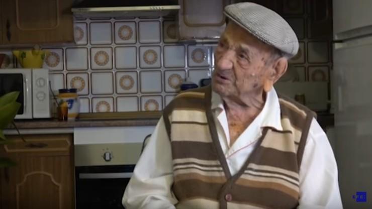 Miał 113 lat i uwielbiał czytać książki. Nie żyje najstarszy mężczyzna. Był o 4 lata młodszy od najstarszej kobiety