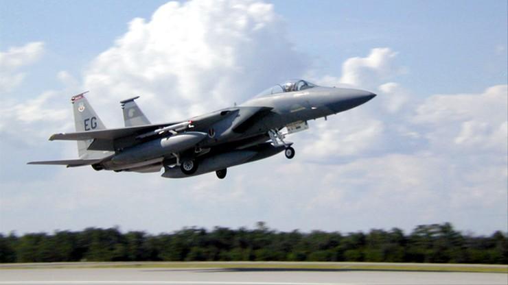 F-15 lądował awaryjnie na lotnisku w Powidzu. Przyczyną był ptak zassany przez silnik