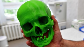 """Pochowana z cegłą w ustach. Naukowcy zrekonstruują wygląd """"czarownicy"""" z Kamienia Pomorskiego"""