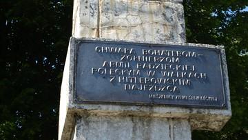 Policja znalazła skradzioną tablicę z pomnika Armii Czerwonej w Sławnie