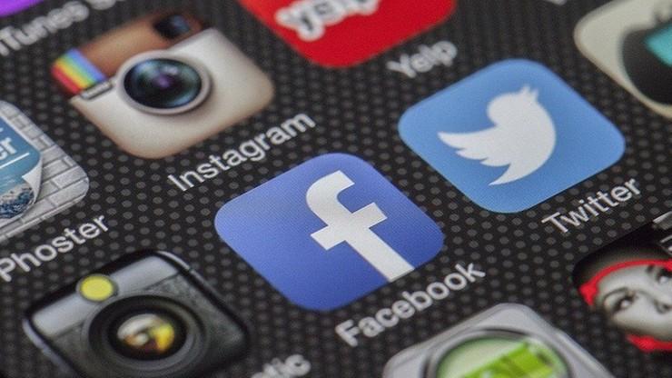 Niemcy. Facebook usunął konta ruchu kontestującego ograniczenia pandemiczne