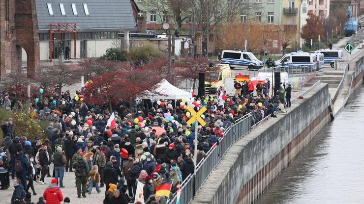"""Protest koronasceptyków w Niemczech. Wśród nich Polacy ze """"Strajku przedsiębiorców"""""""