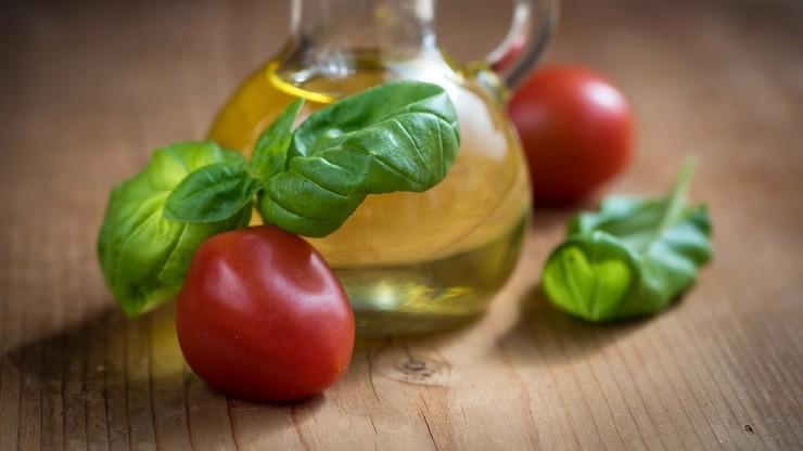 Polscy naukowcy odkryli nowe właściwości składnika oliwy z oliwek. Otrzymali patent