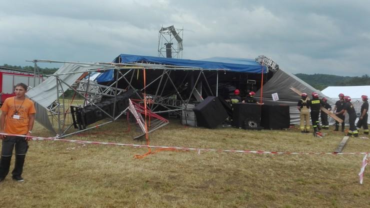 Wiatr przewrócił scenę podczas festynu w Ostrowie. Święto Pieroga odwołane