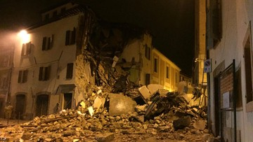 """""""Brak ofiar to cud"""". Tysiące osób bez dachu nad głową po trzęsieniu ziemi we Włoszech"""