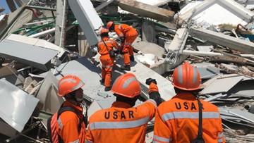 Indonezyjskie władze przyjmą pomoc zagraniczną po trzęsieniu ziemi i tsunami