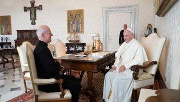 Papież spotkał się z jezuitą krytykowanym za działania na rzecz osób LGBT