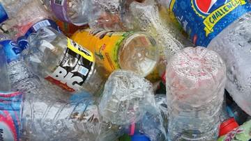 Królowa Elżbieta II wprowadza zakaz używania plastikowych butelek