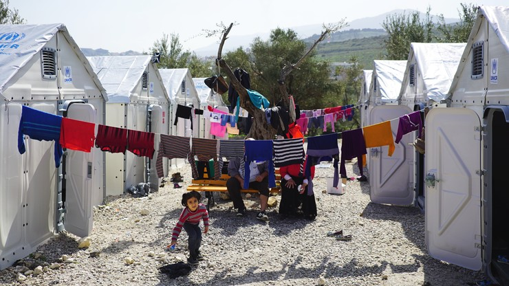IKEA zrobiła plastikowe domy dla uchodźców. Dostała nagrodę projektu roku