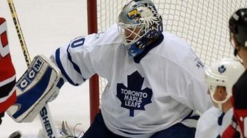 NHL: Hat-trick Matthewsa, szósta wygrana z rzędu Maple Leafs
