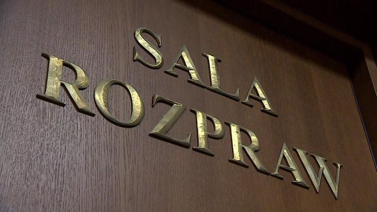 Mieli oszukać 675 osób i podmiotów na ponad 79 mln złotych. Ruszył proces