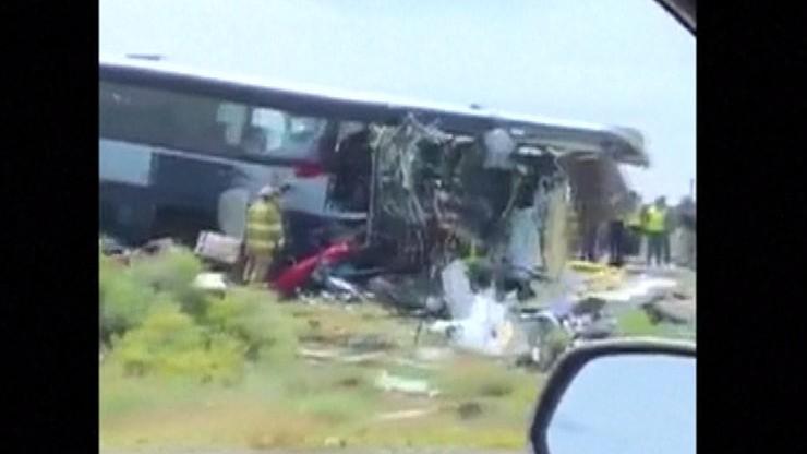 Nie żyje 7 osób, ponad 40 jest rannych. Zderzenie tira z autobusem w stanie Nowy Meksyk