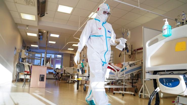 Nowe przypadki zakażeń koronawirusem. Duży wzrost względem zeszłego tygodnia
