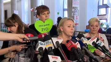 """23. dzień protestu w Sejmie. """"Będziemy tutaj nie tylko do szczytu NATO, ale jeszcze dłużej"""""""