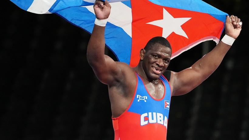 Tokio 2020: Kubańczyk Mijain Lopez wyrównał rekord Carla Lewisa i Michaela Phelpsa