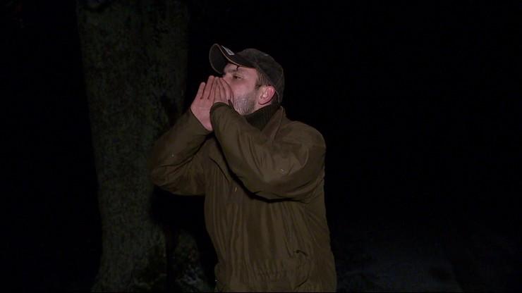 Rozmawiający z wilkami. Ekipa Polsat News towarzyszyła leśniczemu w nocnej schadzce
