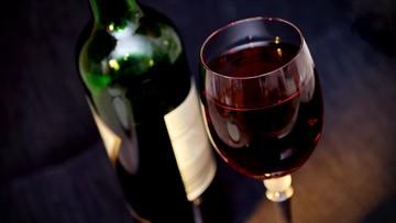 Najstarsze wino na świecie sprzedano za ponad 103 tys. euro. Pochodzi z 1774 roku