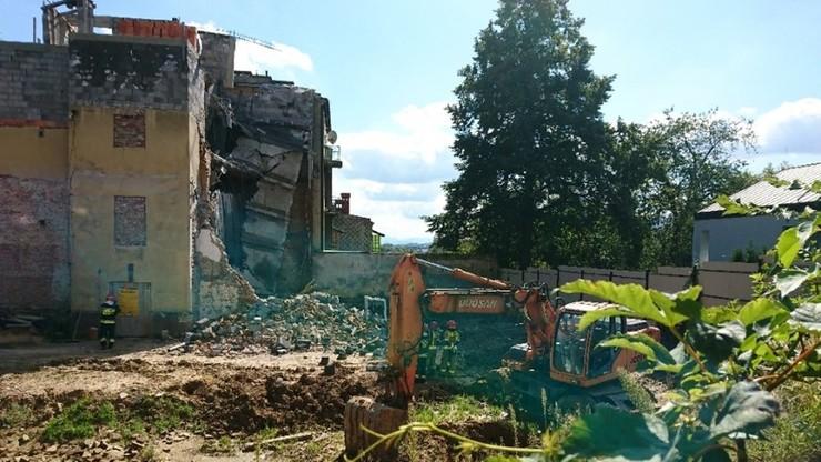 """W centrum Bielska-Białej zawalił się fragment kamienicy. """"Słychać było trzask pękających ścian"""""""