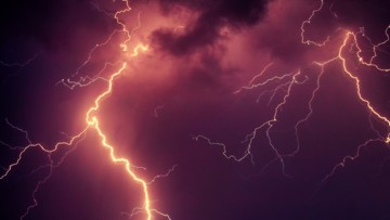 """IMGW ostrzega przed burzami. """"Możliwe lokalne podtopienia i przerwy w dostawie prądu"""""""