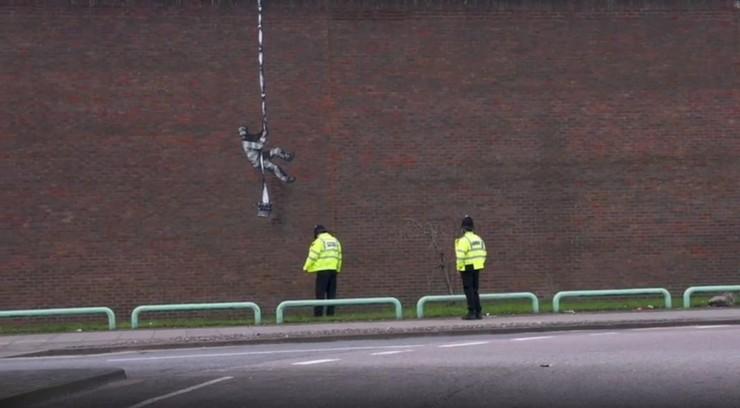 Banksy zdradził kulisy swojej pracy. W sieci pojawiło się nagranie