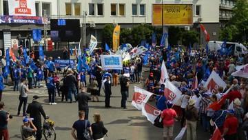 """""""Przywróćmy godną pracę"""", """"Najpierw ludzie, potem zyski"""". Manifestacje w wielu polskich miastach"""