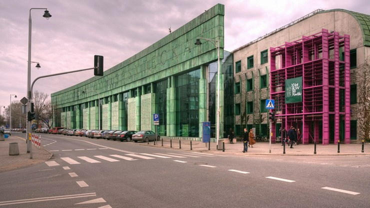 Ewakuacja Biblioteki Uniwersytetu Warszawskiego. Pirotechnicy sprawdzili budynek