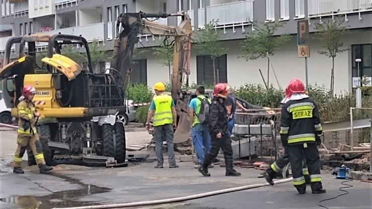 Wybuch gazu we Wrocławiu. Spłonęła koparka, mieszkańcy ewakuowani
