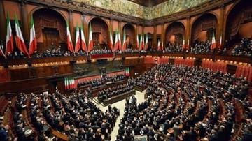 """Włochy: oburzenie i interpelacja w Senacie z powodu koszulki """"Auschwitzland"""""""