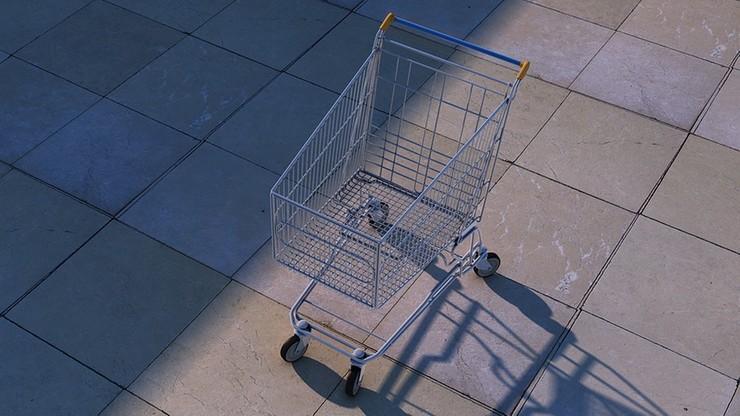 Sędzia przyłapana na oszustwie w sklepie. Miała przekleić ceny, by mniej zapłacić