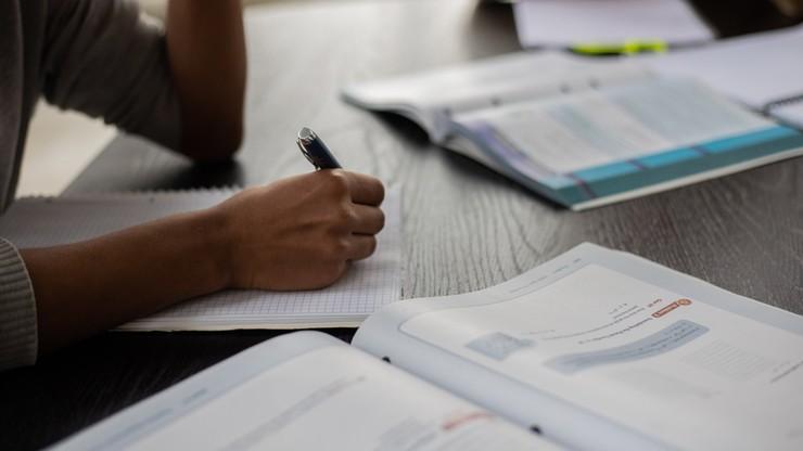 Afera na uczelniach. Wykładowcy rozmawiali o zaniżaniu zdawalności egzaminów
