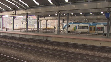 Kolej gotowa na koronawirusa. Środki ostrożności w pociągach i na dworcach