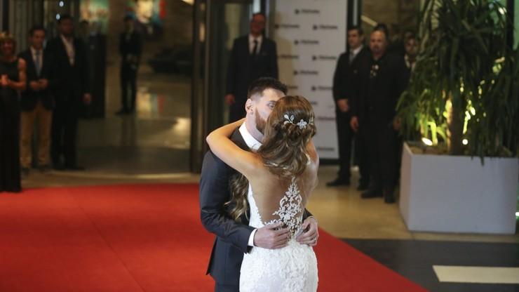 Znają się od dzieciństwa. Messi poślubił Antonellę Roccuzzo
