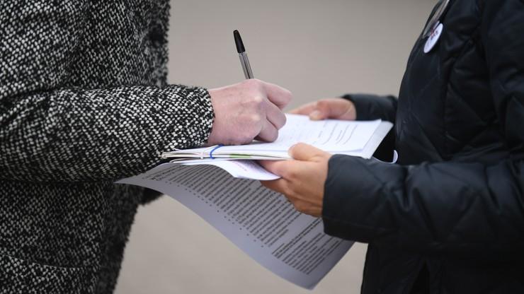 ZNP: ponad 350 tys. podpisów pod wnioskiem o referendum ws. reformy edukacji