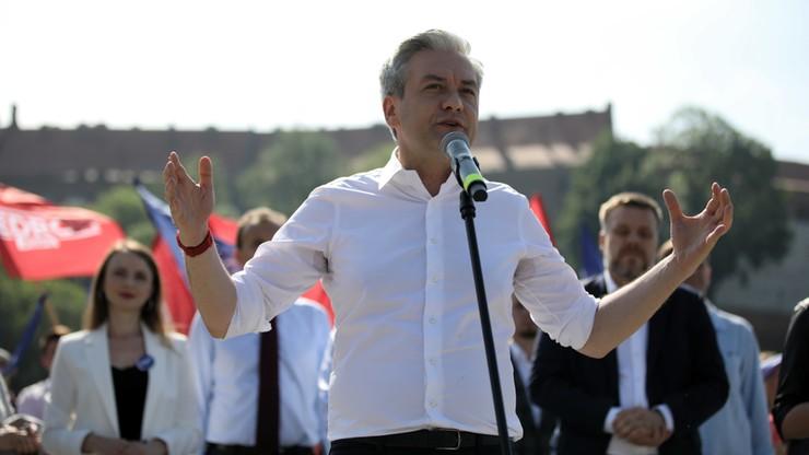 Biedroń: Polki nadal nie mają równych praw