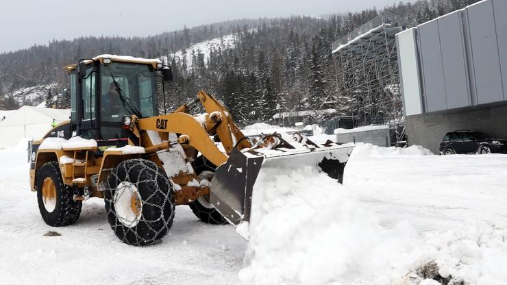 Atak zimy w Zakopanem! Organizatorzy walczą z nadmiarem śniegu
