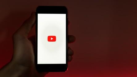 YouTube usuwa wideo z kanału walczącego o prawa człowieka?