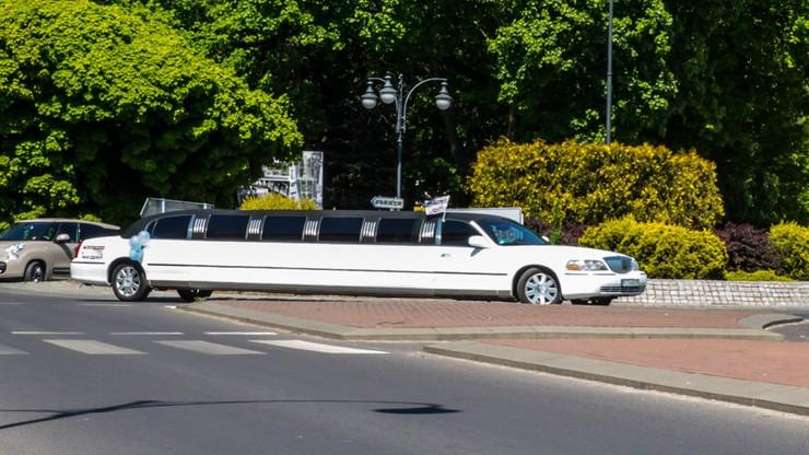 """9-latek przyjechał limuzyną na pierwszą komunię. """"Jezusowi pewnie opadła szczęka z wrażenia"""""""