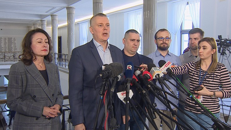 """""""Policjanci z Białegostoku zgłaszający nieprawidłowości są zwalniani i poddawani represjom"""""""